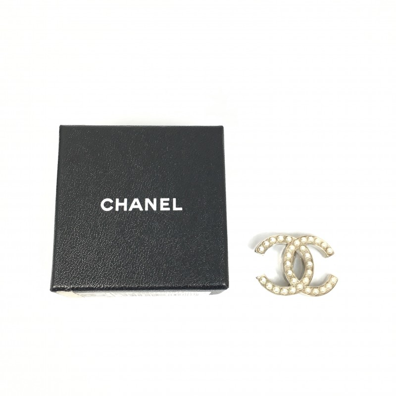 ☆ Chanel 香奈兒 Faux Pearl Silver Plated Metal Brooch A12V 仿珍珠渡銀金屬胸針 - 217000380
